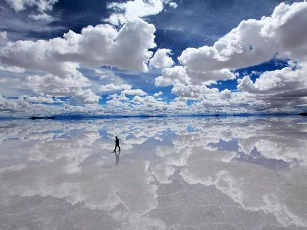 ウユニ塩湖(ボリビア).jpg